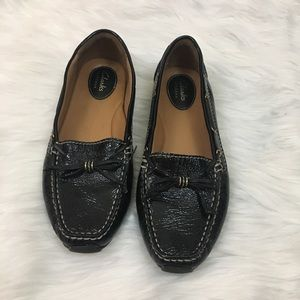 ⬇️$40 Clark's Artisan black leather loafers sz 7.5